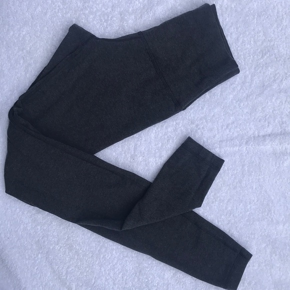 lululemon athletica Pants - Lululemon Wunder under leggings